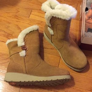 Skechers toasty toes boots. Size 7